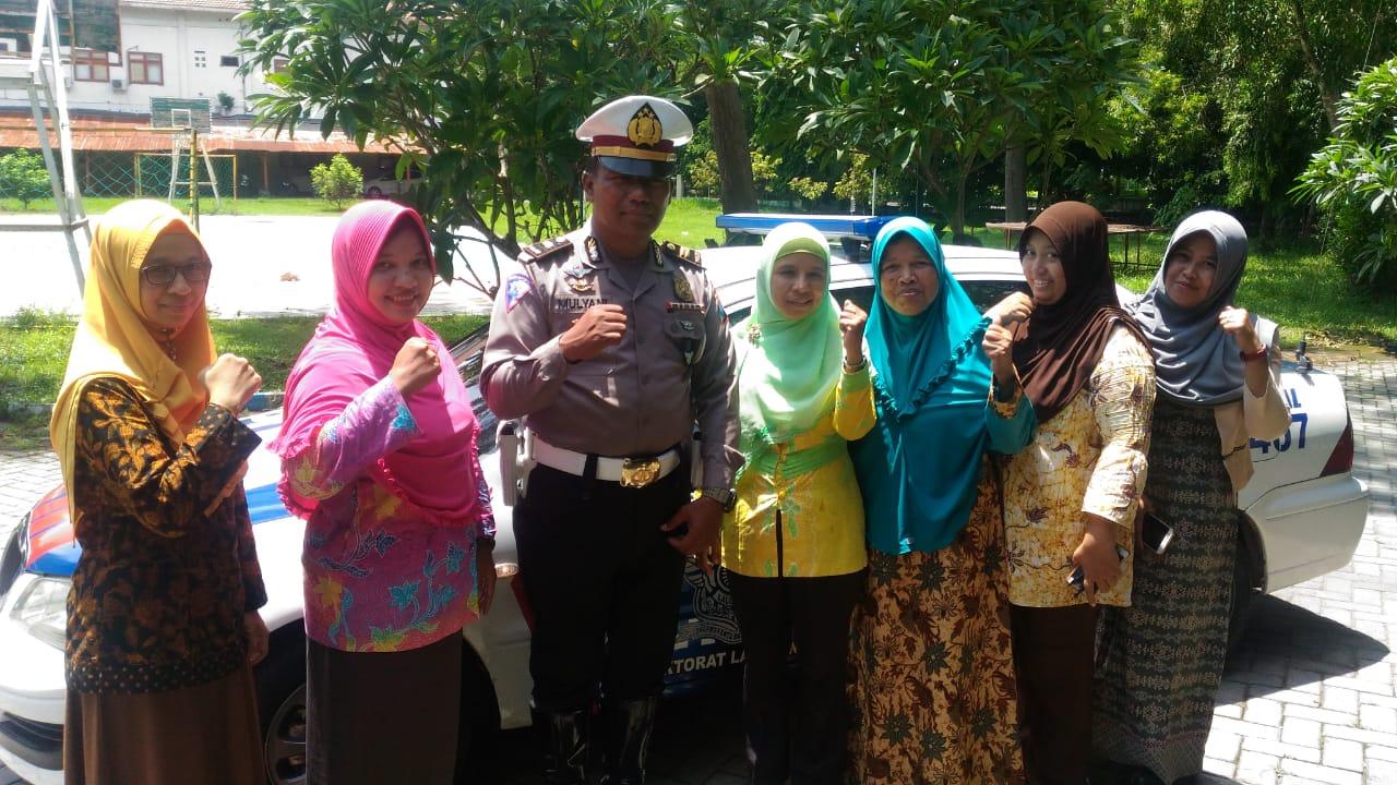 Civitas Akademika STIKES Pemkab Jombang Siap Mendukung & Mensukseskan Millenial Road Safety Festival 2019